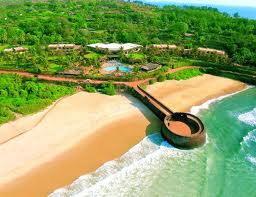 Fort_beach_Aguada_Goa