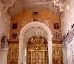 базилика Бом Иисуса, Гоа, алтарь, главная базилика