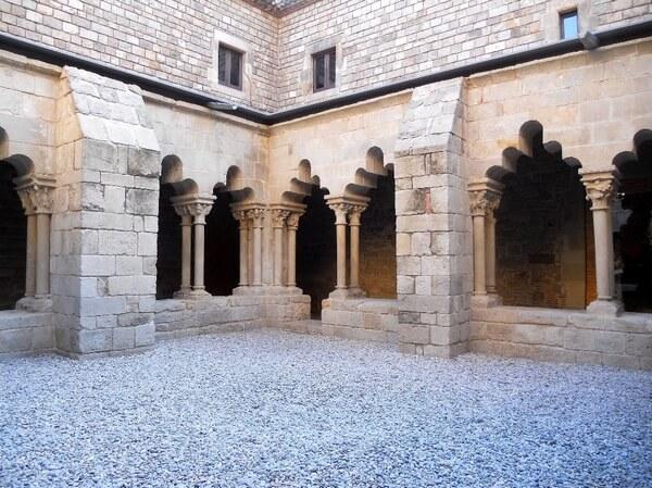 Церковь Святого Павла, клуатр, Барселона