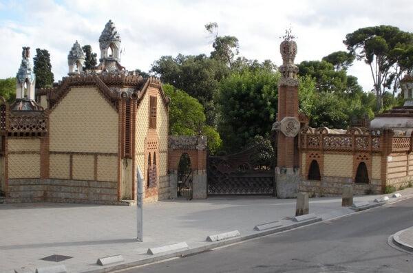 Павильоны Гуэля, Барселона