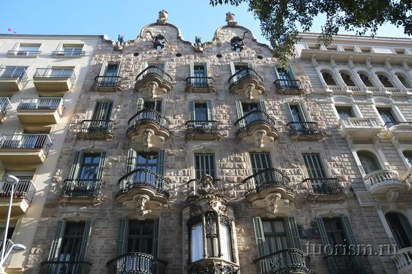 дом кальвета с балконами, барселона