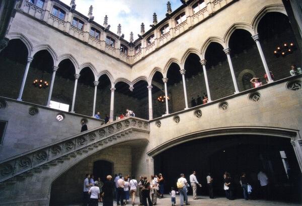 Дворец правительства Каталонии - патио