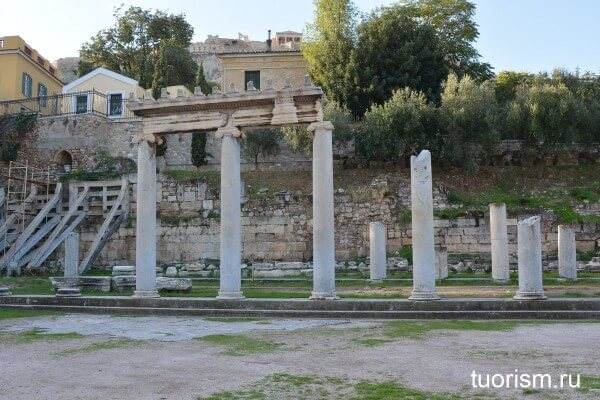 Колоннада Римской агоры