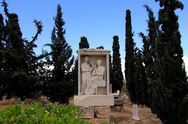 памятник - кладбище Керамик, достопримечательность Афин