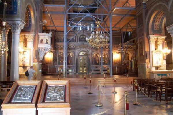 Интерьер собора Благовещения Пресвятой Богородицы, достопримечательность Афин
