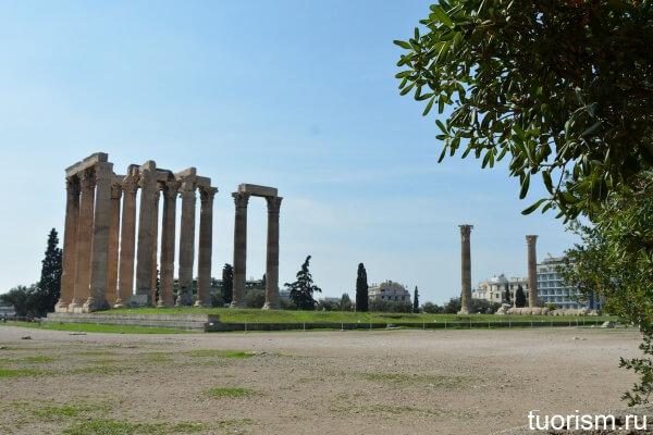Храм Зевса Олимпийского, Афины