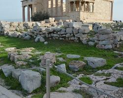 Храм Афины Полиады, Акрополь
