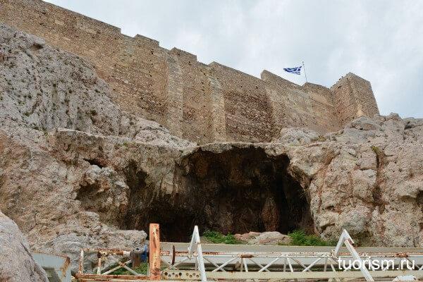 Святилище Аглавры, северный склон Акрополя