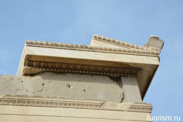 Фронтон фасада Эрехтейона