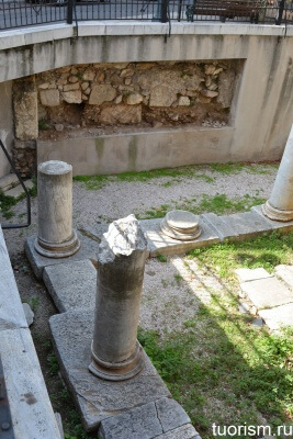 Ионические колонны, Древняя Греция