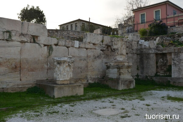 Библиотека Адриана, фасад, Hadrian's Library