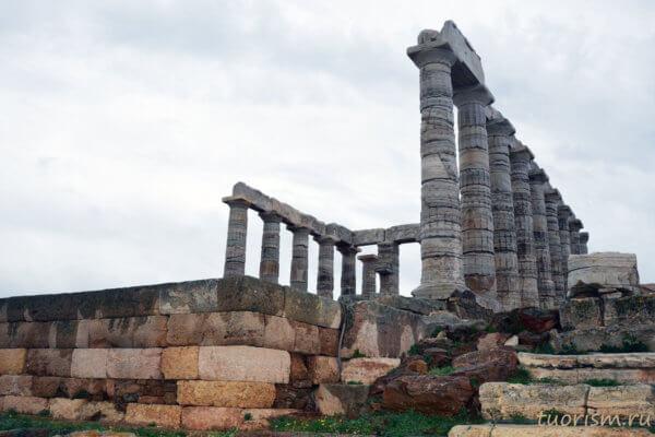 храм Посейдона, Сунион, греческий храм, разрушенная часть, археология, восстановленный храм