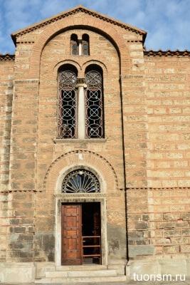 Троицкая церковь Афин, Ekklisia Agia Triada Rosiki, куфическая вязь, кладка, православная церковь