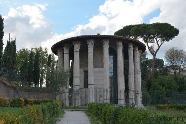 окно, круглвый храм, древнеримский храм