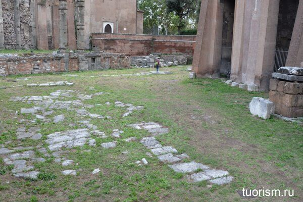 мощёный пол, римская дорога, театр Марцелла, Древний Рим, храм Януса, что осталось