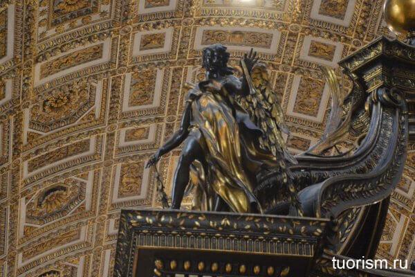 бронзовый ангел, балдахин, Бернини, скульптура, деталь, собор Святого Петра, Ватикан