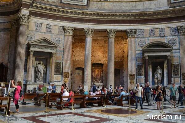 часовня, Мадонна, Пантеон, фреска, Умбрийская школа,  Madonna of the Railing