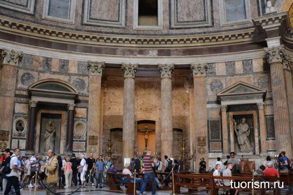 часовня Распятия, Пантеон, римский Пантеон, внутри, интерьер, Chapel of the Crucifixion, Pantheon