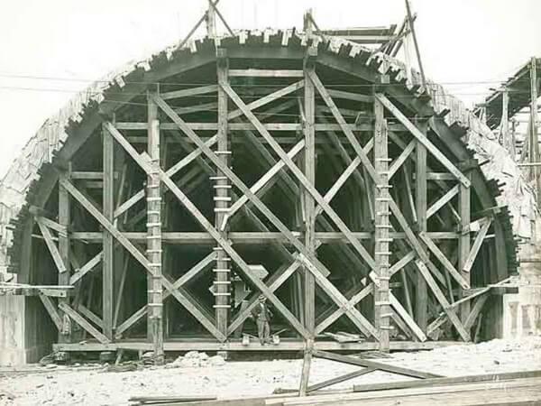 строительные леса, арочный мост