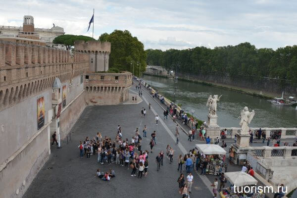 вход в замок ангела, Рим, набережная, Тибр, мост Ангелов, Castel Sant Angelo, entrance, Rome