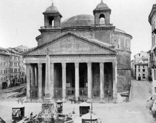 Пантеон, колокольни Бернини