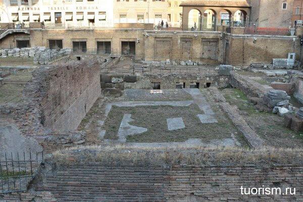 храм Феронии, античный храм, Торре Арджентина, Largo di Torre Argentina, temple of Feronia