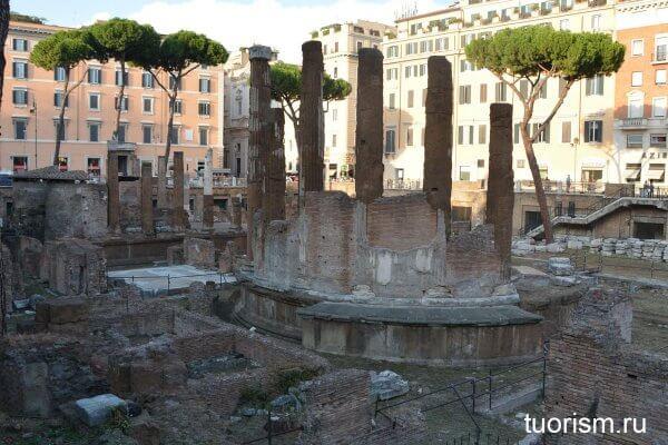 храм Фортуны, площадь Торре-Арджентина, Рим