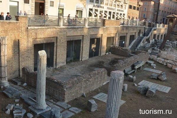 портик Минуция, площадь Торре-Арджентина, Рим, Largo di Torre Argentina,Area Sacra, Porticus Minucia