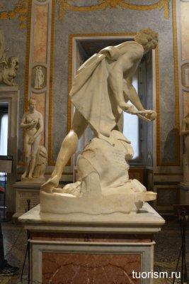 скульптура, Давид, Бернини, сзади, зал Солнца, галерея Боргезе