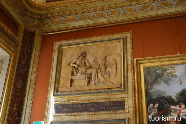 панель, декоративная панель, орёл, над дверью, галерея Боргезе, зал 19