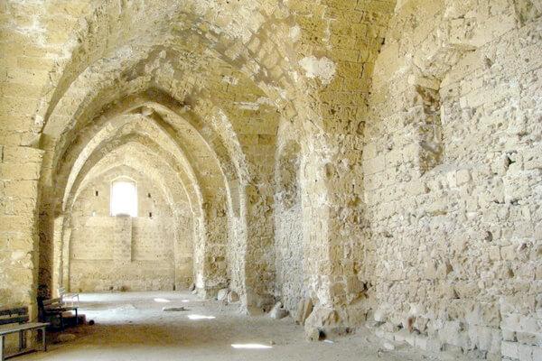 столовая, замок Отелло, Фамагуста, столовая древнего замка