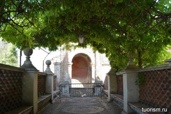 фонтан Венеры, вилла д'Эсте, неработающий фонтан, живописная аллея