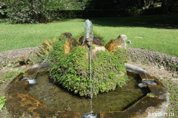 фортнанчик, фонтан орлов, вилла д'Эсте, символл рода д'Эсте, Fountain of the d'Este eagle