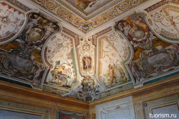 потолок угол, фрески, потолочные росписи, зал Геракла, вилла д'Эсте