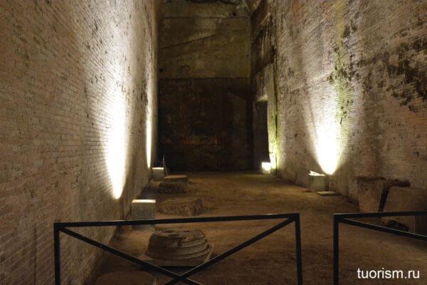 колоннада, под землёй, стены Траяна, Домус Ауреа