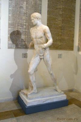 Скульптура, атлет, бегущий, Капитолийские музеи, экспонат, что посмотреть,