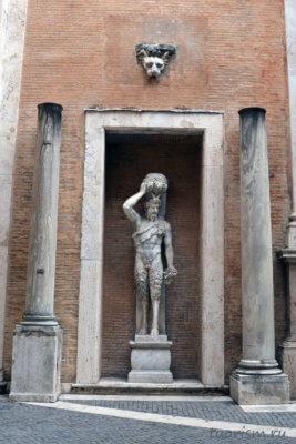 сатир, статуя, двор, палаццо Нуово, Капитолийские мезеи, satyr, statue, capitoline museums