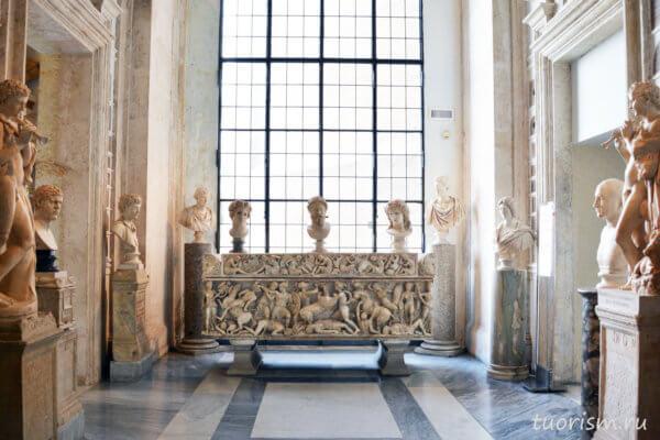 саркофаг, амазономахия, палаццо Нуово, бюсты, музей, Капитолийские музеи, sarcophagus, Amazonomachy, Capitoline museums, second floor