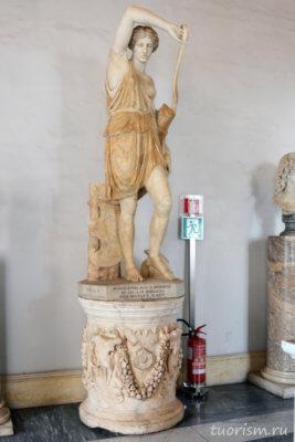скульптура, мрамор, раненая амазонка, амазонка, поднятая рука, Капитолийские музеи, экспонат, Statue, Wounded Amazon, Capitoline museums, marnle, raised arm