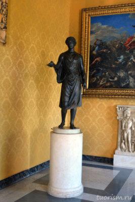 Камилл, цыган, скульптура, служитель культа, Рим, бронзовая скульптура, чёрная скульптура, Капитолийские музеи, триумфальный зал, Camillus, Gypsy, Capitolime museums, hall of triumphs