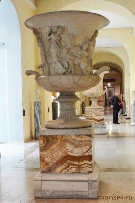 ваза, вакханалии, вакханки, музей, экспонат, большая ваза, Капитолийские музеи, Рим