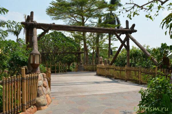 мост, страна приключений, красивый мост, Гонконг, Диснейленд, bridge, Adventureland, Hong Kong, Disneyland