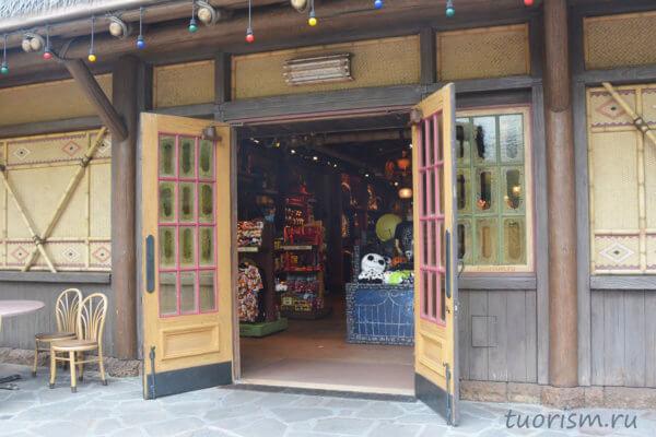 сувенирный магазин, Диснейленд, Гонконг, souvenir shop, Adventure land, Disneyland, Hong Kong